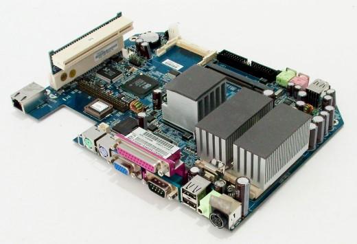 FSC-8TR53A0XF118-Mainboard-AMD-Geode-NX1500-1GHz-SiS-Mirage-fuer-Futro-S400-NEU